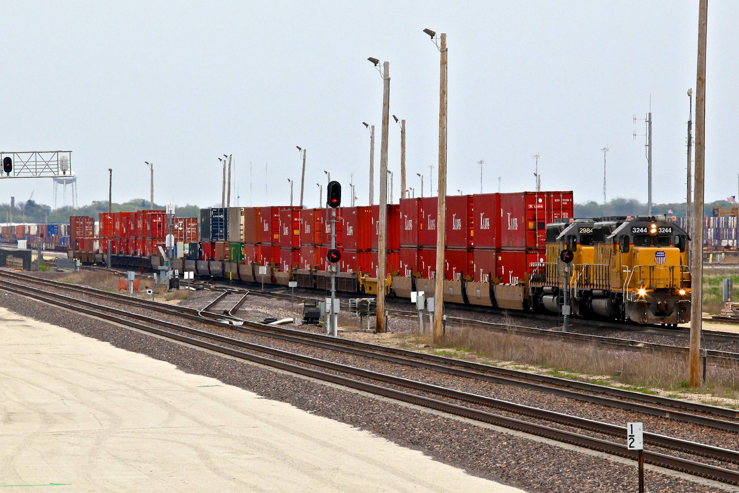 Union Pacific Global III Intermodal Yard - Rochelle, IL
